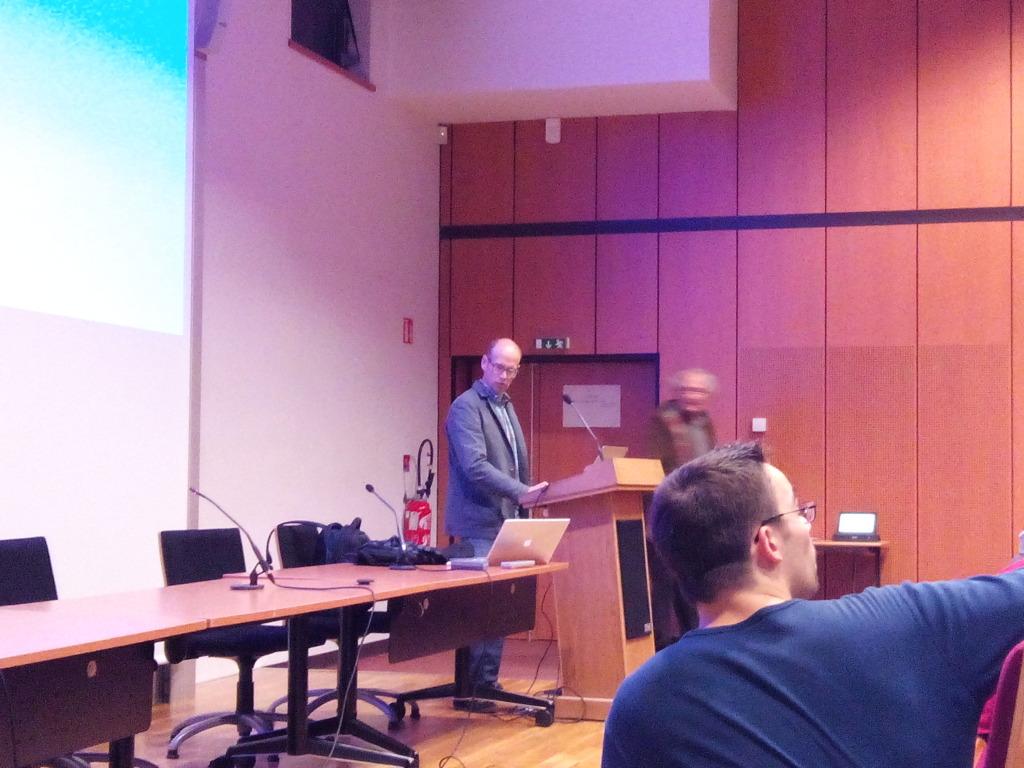 Conférence de Fabien Malbet sur la naissance des étoiles et la formation des planètes.